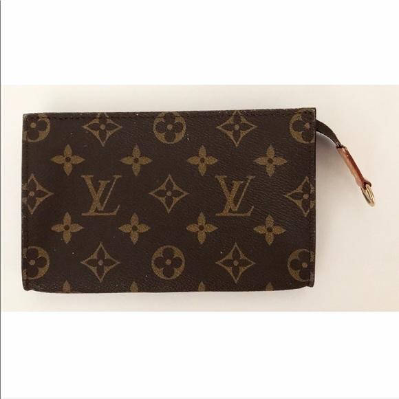 Louis Vuitton Handbags - 💯Authentic Louis Vuitton Accessories Pouch Bag